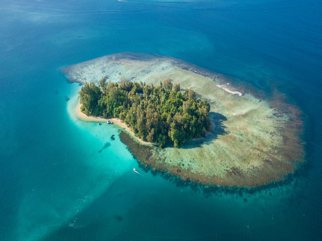 Aerial Lissenung Island